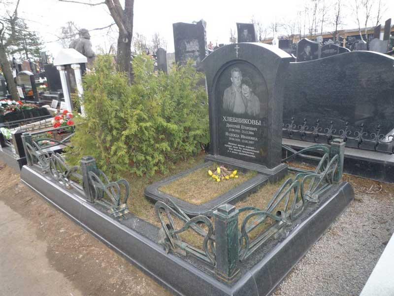 элитный двойной памятник из гранита